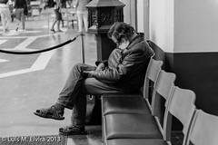 Beggar at the church. (luisephoto) Tags: street europa gente brugge retratos hombre blgica robados