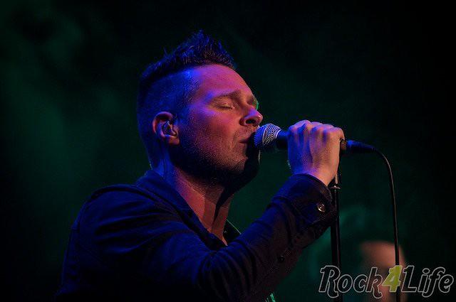 Crystal Dream U2 tribute (9)