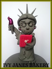NEW YORK (Ivy Jane's Bakery) Tags: newyork cake 18th statueofliberty ipad