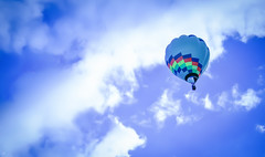 High Flier (ooberhappyandy) Tags: summer hot clouds nikon blu air balloon tele