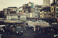 Istanbul | Turkey, March 2014 (Sebastien BERTRAND) Tags: city canon turkey market istanbul turquie streetphoto marché ville karaköy photoderue istanboul eos40d canon40d fotomato sebfotomato sébastienbertrand