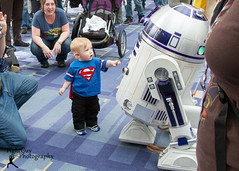 Awesome Con 2014: First Contact (FightGuy Photography) Tags: costumes toddler cosplay superman event r2d2 convention scifi awesomecon fightguyphotography