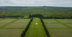 Ncropole de Douaumont (Verdun) (\Nicolas/) Tags: os champ tombe 1916 verdun ossuaire douaumont