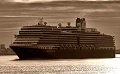 Eurodam (Nicober!!!) Tags: canada holland lines america river de ship quebec stlawrence cruiseship passenger stlaurent fleuve navire croisiere eurodam
