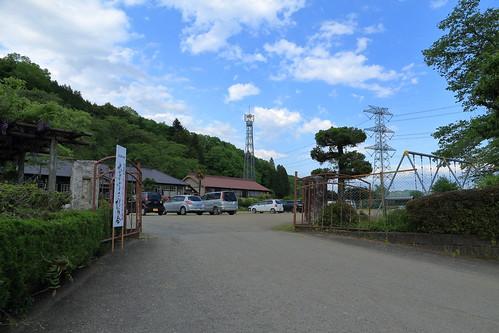 旧上岡小学校 校門 (外側)