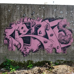 Crayons | Pencils | Crons (pod) Tags: brussels streetart pencils graffiti belgium belgique tag belgi bruxelles graph crayons crayon brussel potlood crons