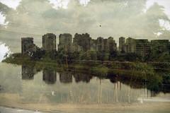 Canon-Kodak UltraGold 400 vencido 2010 (mlsirac) Tags: brasil sopaulo prdios riopinheiros duplaexposio canoneos3000 filmevencido kodakultragold400