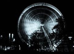 Ferris Wheel (heiko.moser) Tags: longexposure bw blancoynegro canon mono blackwhite noiretblanc nb ferriswheel sw monochrom schwarzweiss nero riesenrad discover langzeitbelichtung einfarbig schwarzweis entdecken heikomoser