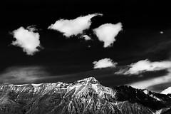 Montagna e nuvole (DarioMarulli) Tags: bw panorama mountain snow clouds landscape nikon nuvola natura neve montagna biancoenero abruzzo laquila nikonclubit