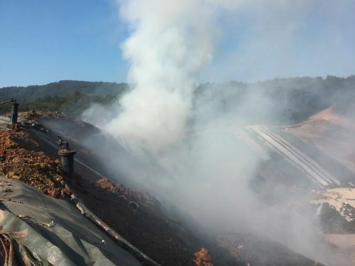 Incendio alla discarica del Cassero a Serravalle pistoiese (PT)