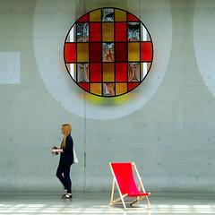 Transatlantique (_ Adle _) Tags: paris lumire femme mur reflets couleur 104 verre intervention danielburen transat premierplan