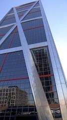 Una torre (vcastelo) Tags: reflejos cristal torres inclinada kio plaza castilla madrid spain