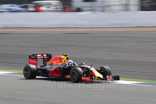 Daniel Ricciardo in Free Practice 2 at the 2016 British Grand Prix