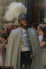 Delle donne, dei cavalieri, delle battaglie ... (frillicca) Tags: soldier official helmet giugno noble 2010 ufficiale corteostorico corpusdomini historicalparade medievalrepresentation orvietotr