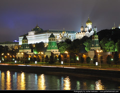 Kremlin @ Night, Moscow (JH_1982) Tags: world heritage architecture night noche site nacht russia moscow towers landmark unescoworldheritagesite unesco walls nuit moskau notte moskou mosca kremlin russie nga rusland rusia moscou moskva  kreml moskwa     mosc russland  rosja rossiya    moscova  rssia moskova rusya moszkva moscovo    cremlino moskauer