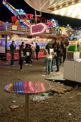 . (Le Cercle Rouge) Tags: paris france reflection colors night couleurs crowd reflet lunapark foule nuit humans foiredutrne humains attractionpark wwwlecerclerougecom colorsofdarktimes
