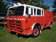1978 International ACCO 1810B fire truck (sv1ambo) Tags: truck fire international nsw newsouthwales 1978 memorialpark acco theentrance 1810b nationalmotoringheritageday
