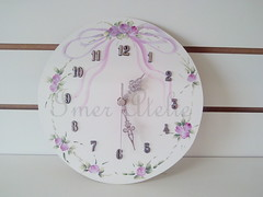 relogio floral lilas (Imer atelie) Tags: flores floral brasil flor rosa redondo tempo relgio parede numeros pintura mdf lilas horas lao relogio feminino recortes ponteiros rosinhas feitoamo imeratelie