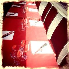 Tables sur le Cours Saleya, Nice, Provence-Alpes-Cte d'Azur (SoniaLaRosa) Tags: colors tables tavoli sonialarosa