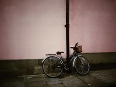 Oxford (Miss_KI) Tags: uk pink england bicycle wall oxford