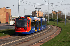 Sheffield Supertram 109 [Sheffield tram] (Howard_Pulling) Tags: camera uk bus buses photo nikon sheffield yorkshire may siemens stagecoach strassenbahn 2010 supertram southyorkshire duewag stagecoachsupertram howardpulling d5100