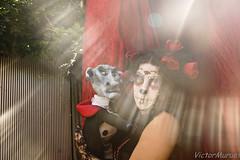 bajo los rayos del sol (Victor Muruet) Tags: street make up umbrella alley theater theatre victor artists artistas marionetas puppetry maquillaje tteres photographyfotografa umbrellatheatre muruet umbrellatheater victormuruet
