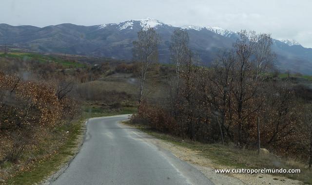 Montañas nevadas llegando a Rila