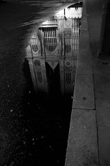 retsnimtseW (arnaud patoto) Tags: bw london water westminster night eau sony chapel nb reflet reflect londres nuit eglise abbaye aplha57