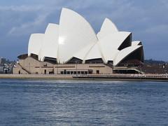 """L'opéra <a style=""""margin-left:10px; font-size:0.8em;"""" href=""""http://www.flickr.com/photos/83080376@N03/16328470870/"""" target=""""_blank"""">@flickr</a>"""