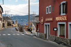 Enveitg (Jorge Franganillo) Tags: france town village pueblo francia pyrnes pirineo languedocroussillon aldea languedocroselln lenguadocroselln