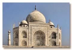 Agra IND - Taj Mahal Base, dome, and minaret 02