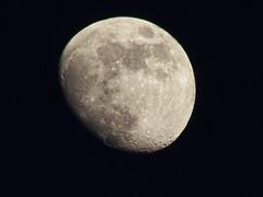 Moon051716 (kendoman26) Tags: moon fuji luna crater waxinggibbous fujifinepix fujifinepixs1