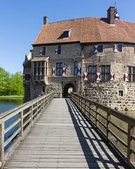 Burg Vischering, Ldinghausen (hjoachim1) Tags: castle germany schatten wasserburg burg mnsterland burgvischering