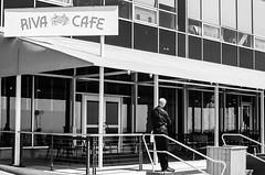 break (mfauscette) Tags: street travel blackandwhite bw chicago film analog 35mm streetphotography ishootfilm contax navypier fsc contaxg1 adox filmisnotdead istillshootfilm filmshooterscollective adoxchs100ii