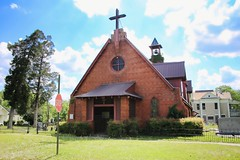 Holy Cross Episcopal Church (Carolyn Wright Photography) Tags: church outside al outdoor unique churches ala perrycounty blackbelt uniquebuildings mansions uniontown countrytown countrytowns uniontownalabama southernmansions