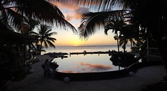 Goodbye sun (Nuffi) Tags: sea reflection fall mare natura cascata