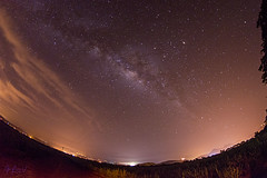 milky way above the valley (JDValencia42) Tags: sky stars via galaxy nocturna cosmos galaxia lactea