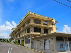 Hilo Hotel (altfelix11) Tags: abandoned architecture hawaii hotel modernism bigisland hilo modernarchitecture dilapidated mcm midcenturymodernism hilohotel kinoolestreet