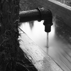 Water is life.. ! (Sivispacem...) Tags: wood white black art water 30 long exposure noir filter nd 18 sec fontaine blanc bois merrill 1835 sd1