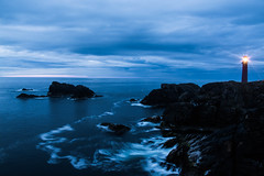 Lighthouse (Lola Ylo) Tags: sea cliff lighthouse nature stone faro outside scotland nikon tide lewis acantilado d3200 18140mm