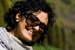 Barbara-f (Cinzia GK) Tags: italien portrait italy woman girl smile sunglasses hair nose mujer europa europe italia chica retrato teeth ears bean curly da sonrisa brunette frau sole nase mdchen trentino zhne morena lcheln naso capelli occhiali haare ohren gafasdesol denti sonnenbrillen lanariz cailn rizado orecchie gruaig brnett lockig portrid elpelo eoraip fiacla srn aniodil lasorejas losdientes aoibhghire cluasa orecchiariccio
