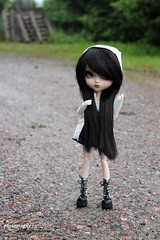 It's a rainy day (silveryfoxheart) Tags: summer cute rain japanese bigeyes eyes shoes doll lips wig kawaii pullip raincoat blackwig obitsu