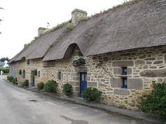 Kerganig  Kercanic (lstr  clonn) Tags: house bretagne breizh britanny maison thatched reetdach strohdach chaumire kercanic chaumires tisoul bretagne2013 tiplouz