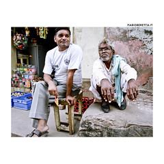 _IMG_0718 (F@bione) Tags: india children kid child bambini finestra terra madre anziani seduto