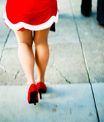 (icka) Tags: red film 35mm legs slidefilm heels santacon 2008 kodake100vs santarchy castrodistrict colorfilm december2008 santacon2008