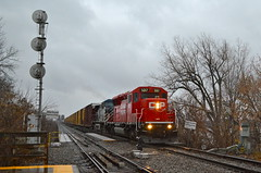 CP 253 crossing the St-Lawrence river (Michael Berry Railfan) Tags: quebec montreal canadianpacific cp ge generalelectric emd ac4400cw cefx1037 adirondacksub sd30ceco cp5017 cp253