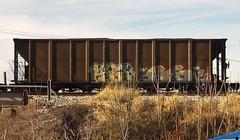 LYES & GSOUTH (BLACK VOMIT) Tags: car train graffiti ol south dirty mc dos sicks g6 coal gs freight wh lyes coalie gsicks