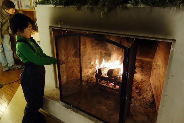 清里清泉寮の暖炉で焼きマシュマロ