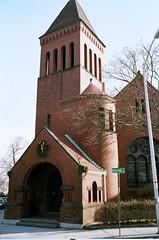 Brick Church (bmiller128) Tags: film massachusetts cambridgema cambridgeport leicam3 summaron35mmf28 kodakportra160