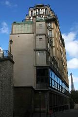 "View from ""rue Berton""below - ""rue Raynouard building"" by Auguste Perret (Sokleine) Tags: paris france building architecture modernism agency artdeco perret 1930 habitation augusteperret 75016 reinforcedconcrete rueraynouard bétonarmé frenchheritage"